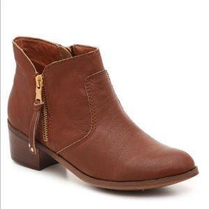 Uriel Bootie - Leather upper ankle boot block heel